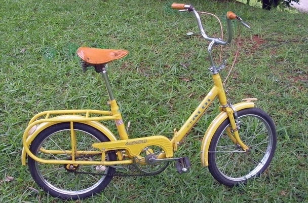 Caloi Berlinetta - my bike was exactly like this one, same yellow color with dark blue letters