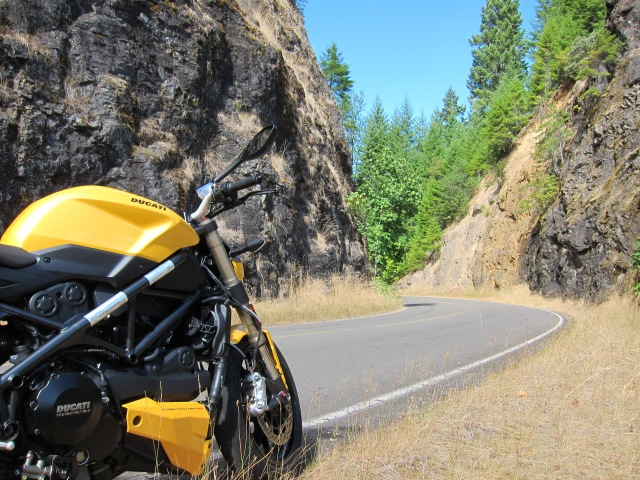 The Ducati on the Aufderheide Dr, just below the Cougar Dam.