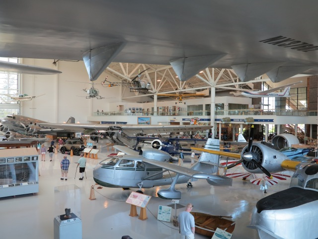 Many planes fit under the wings of the Spruce Goose