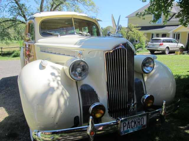 The front of the Packard, subtle modifications.
