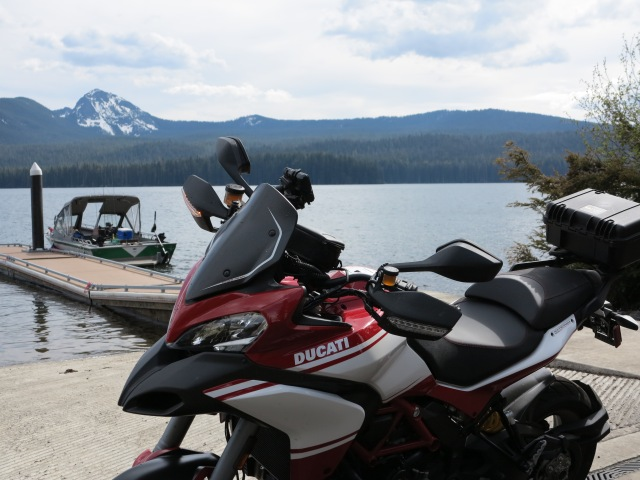 A quick stop at Diamond Lake. May 11th, 2013