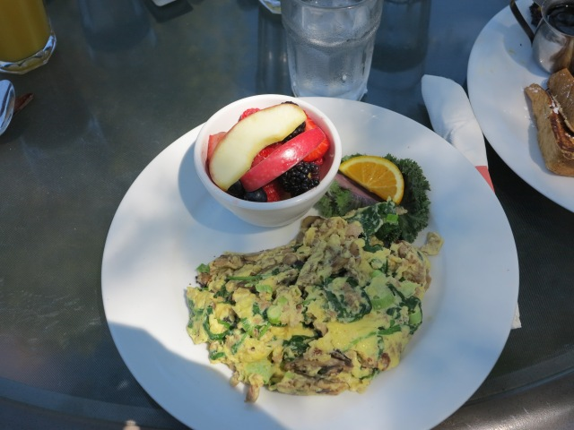 Omelet and some fruit