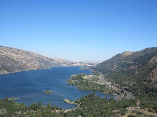 The Columbia River Gorge (and the I-84)