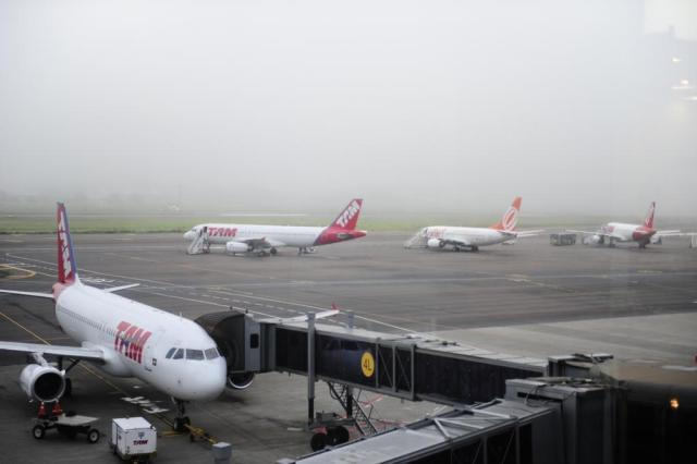Typical fog at Porto Alegre's Airport (Salgado Filho). June 2014