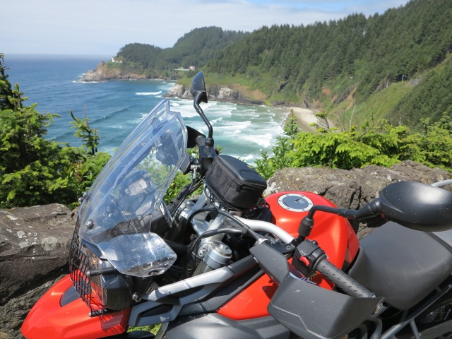 The Tiger and the Heceta Lighthouse.