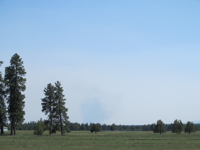 Smoke from the near Tumalo fire, viewed from Sisters.