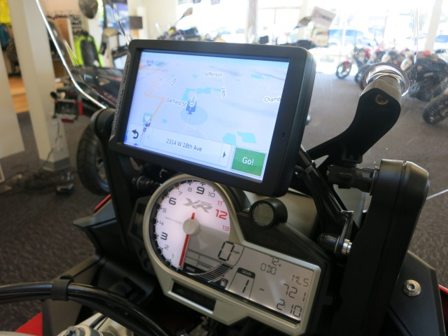 GPS mounts above instrument cluster