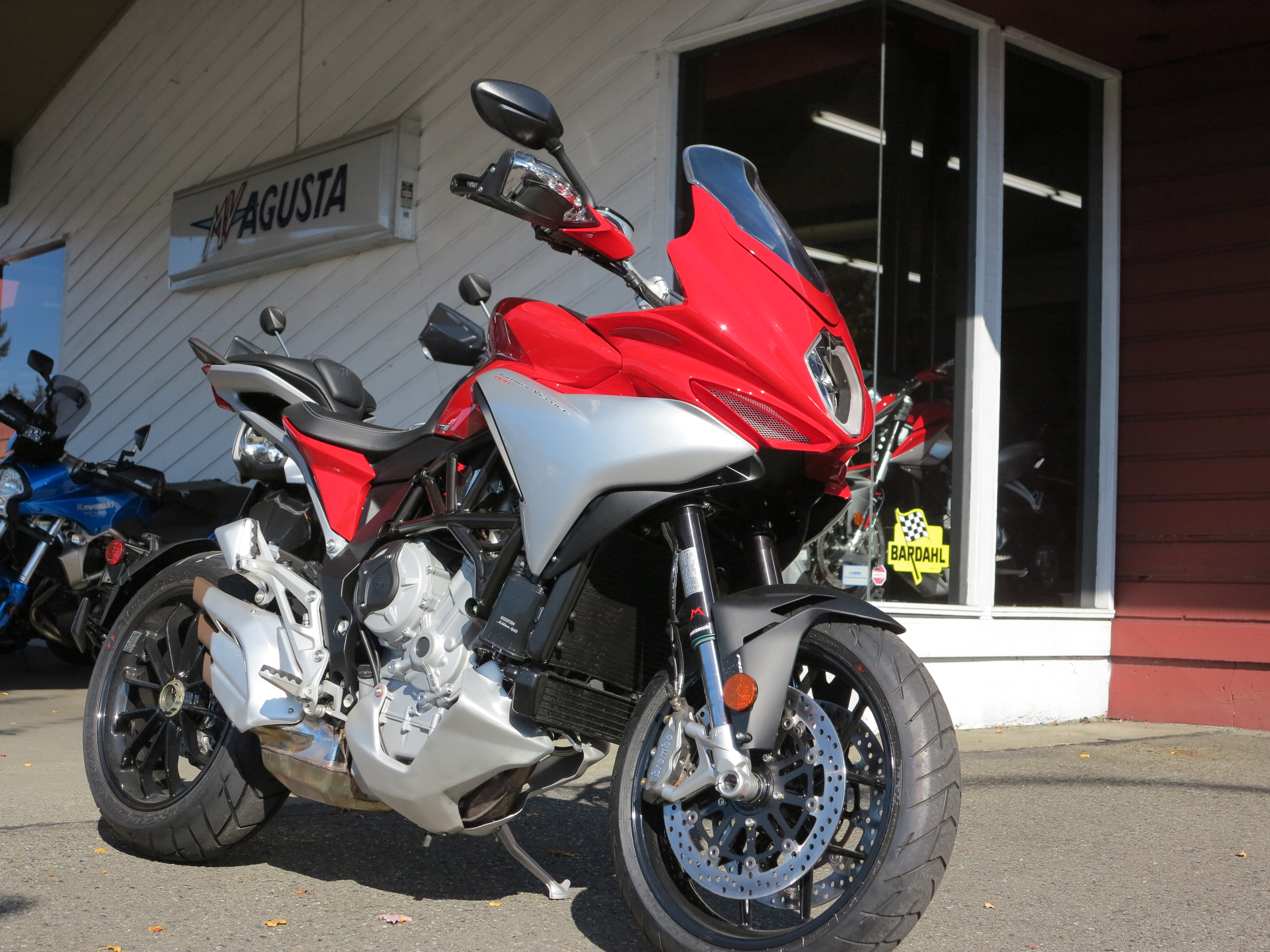 riding the 2016 mv agusta turismo veloce 800 | i'd rather be riding…