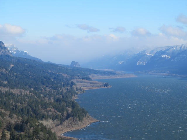 Traveling the Columbia River Gorge to see a motorcycle