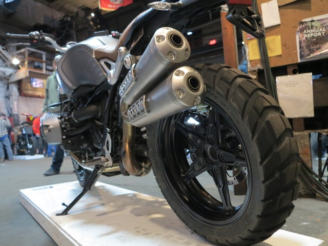 Alloy wheels on the scrambler as opposed to spoke wheels on the R nineT
