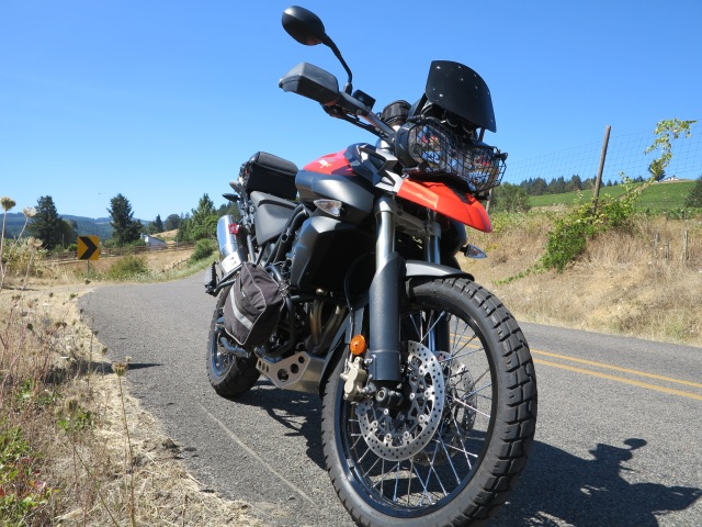 Taking the Triumph Tiger 800XC on a spirited Sunday ride on the wyneard country